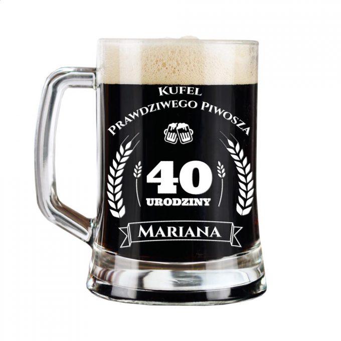 Grawerowany kufel na piwo - Kufel prawdziwego piwosza. 40 Urodziny. Packshot.