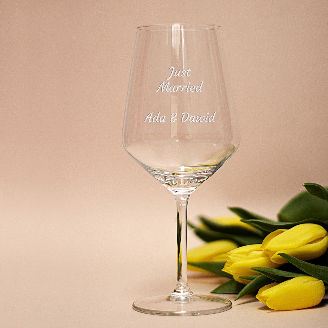 kieliszek do wina na ślub